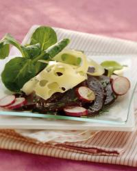 Carpaccio de Betteraves à l\'Emmental, Radis et Mâche