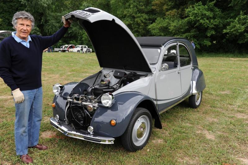brocante et vieilles voitures