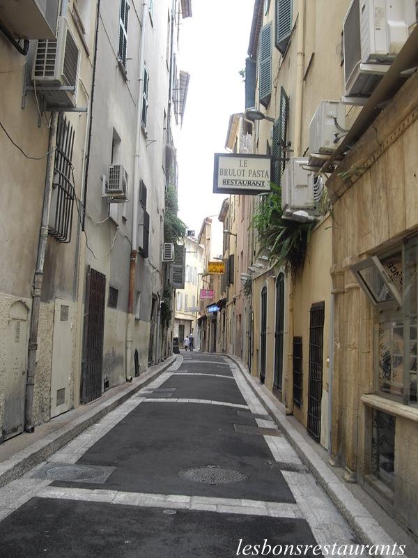 ANTIBES(06)-Le Vieil Antibes - LES BONS RESTAURANTS