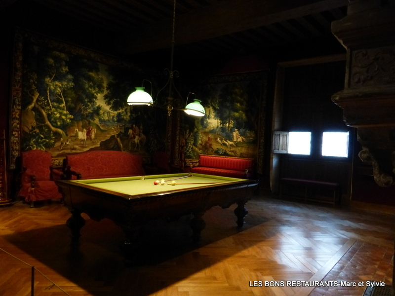 Azay le rideau 37 la salle de billard les bons restaurants - Restaurant les grottes azay le rideau 37 ...