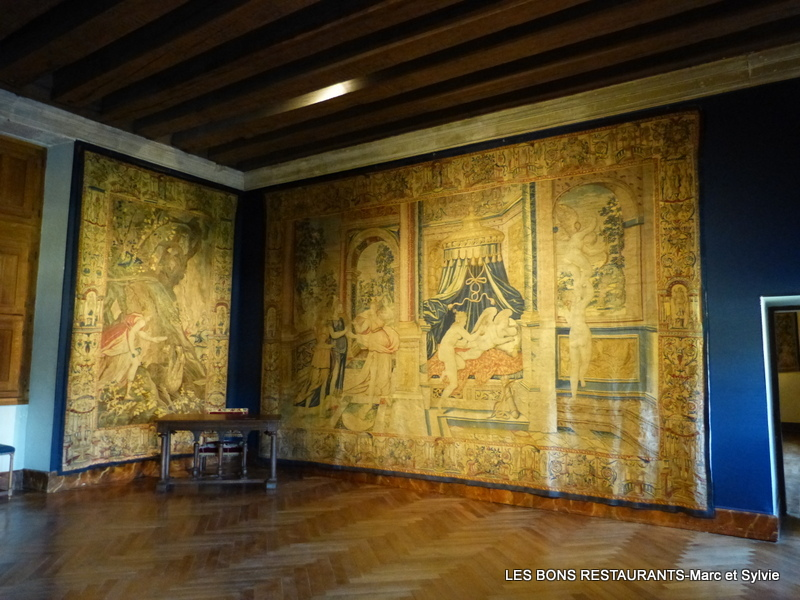 Azay le rideau 37 tapisserie de l 39 histoire de psych - Restaurant l aigle d or azay le rideau ...