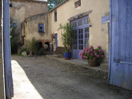http://www.certiferme.com/blog/imgs/articles/blog-33757-charroux-auvergne-090910100144-6478998440.JPG