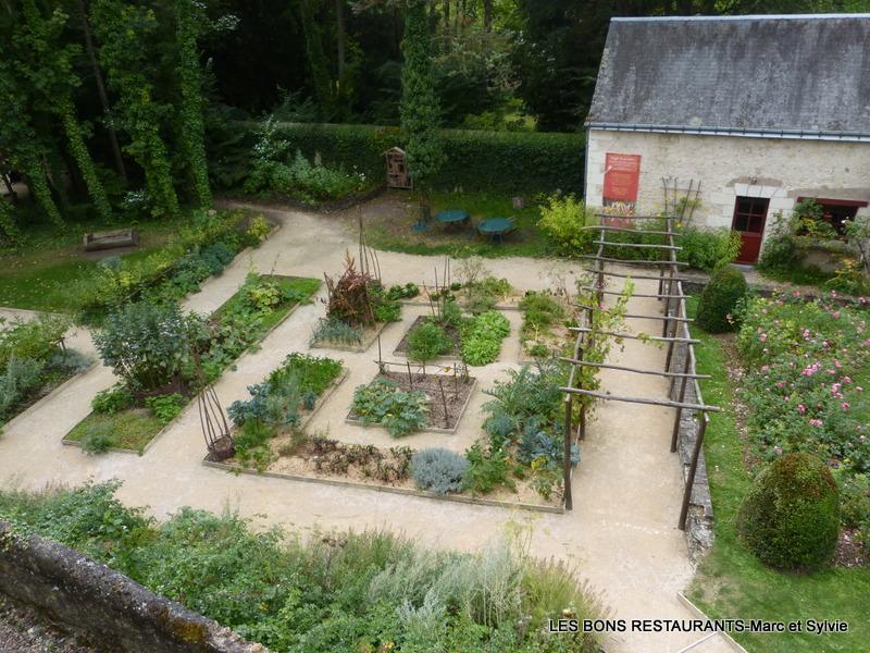 Ch teau du clos luc 37 le jardin renaissance les bons restaurants - Jardin du clos des blancs manteaux ...