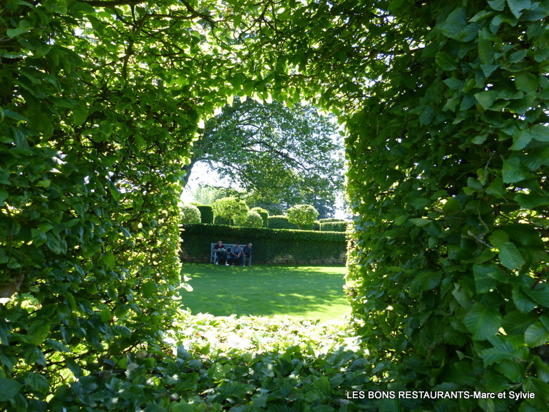 Les jardins du manoir d 39 eyrignac 24 la chambre de verdure for Architecture de jardin