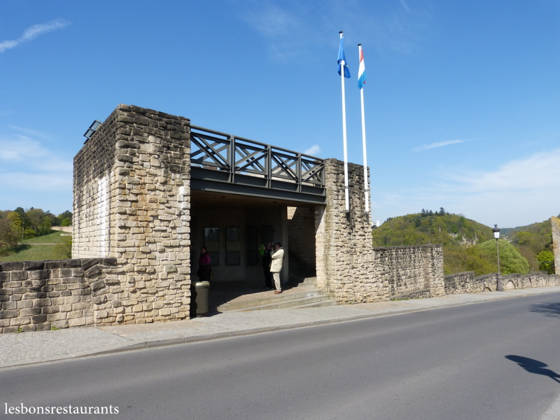 Luxembourg ville lux les casemates du bock les bons for Piscine luxembourg ville