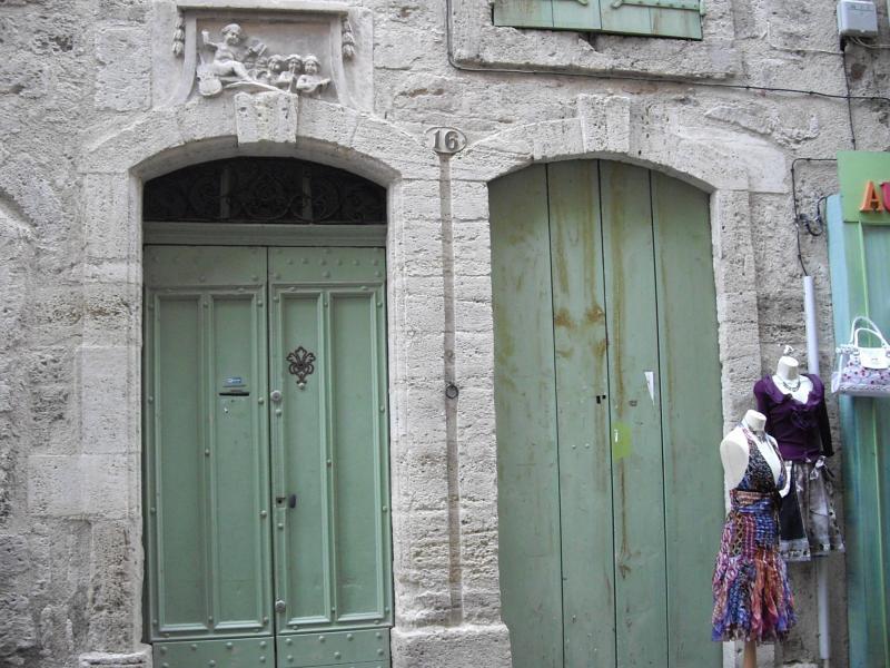 P zenas 34 escale historique les bons restaurants for Encadrement de porte en pierre de parement