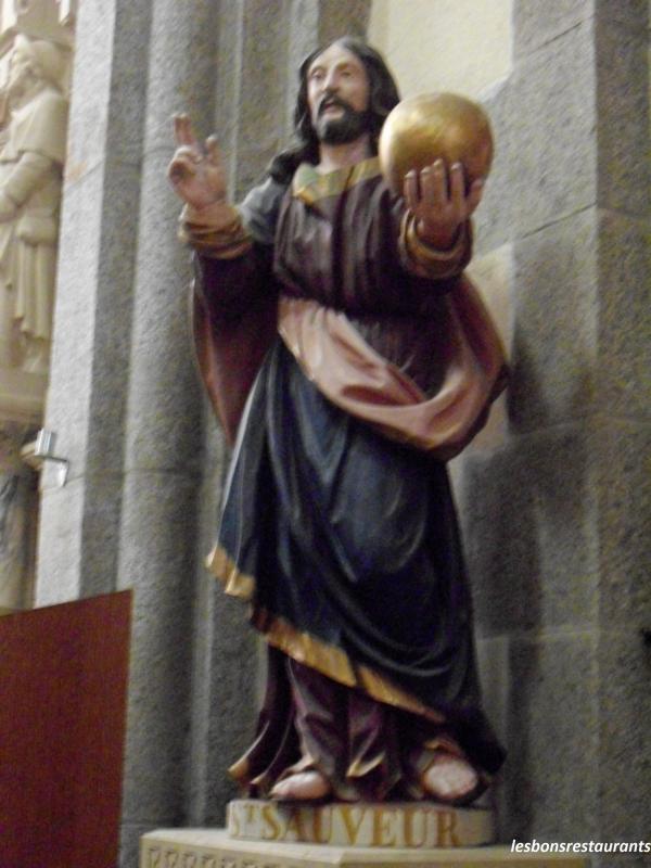 saint avec un bâton
