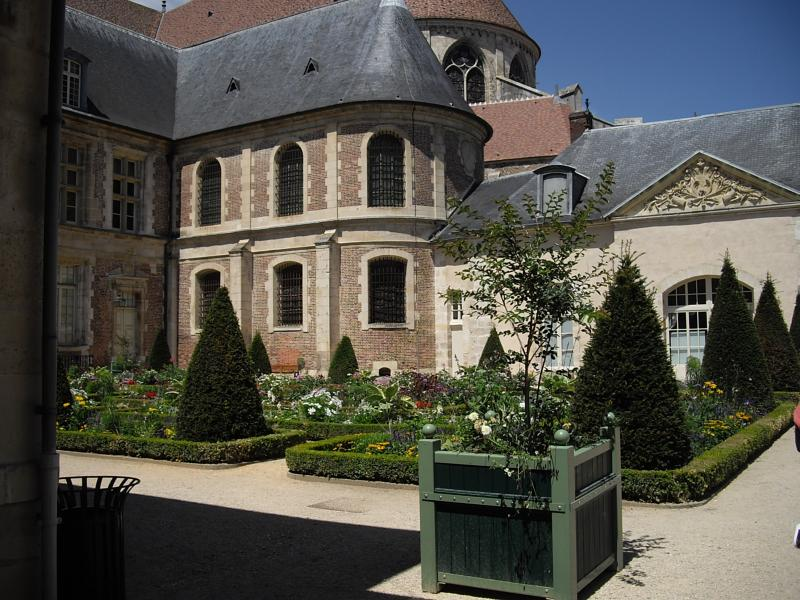 Sens 89 le jardin de l 39 orangerie les bons restaurants for Restaurant le jardin des sens