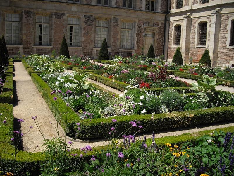 Sens 89 le jardin de l 39 orangerie les bons restaurants for Jardin orangerie