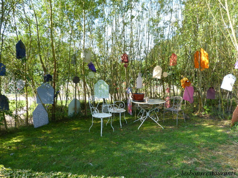 Wesserling 68 alice et le chapelier fou les bons for Jardin wesserling