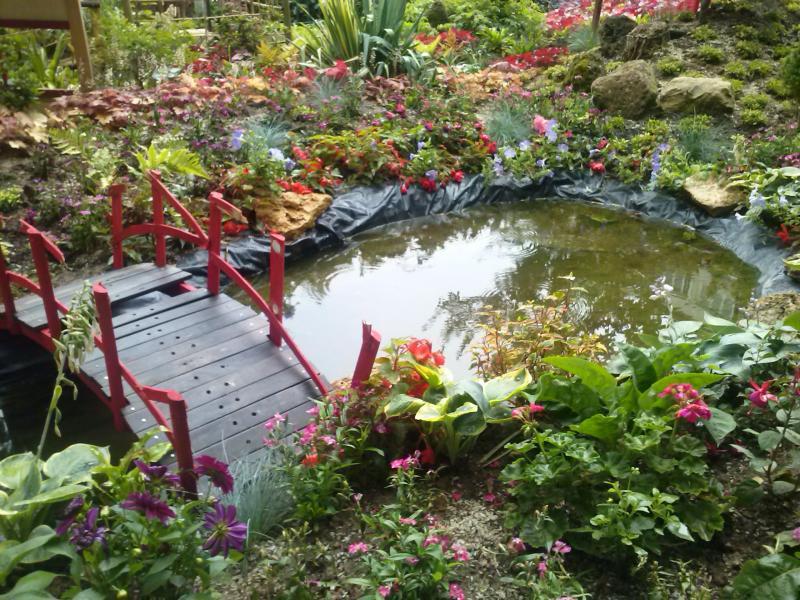 Un jardin extraordinaire parfum de brimbelle for Jardin extraordinaire