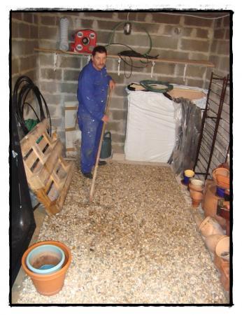 19 novembre 2010 l 39 entr e de garage et la cave la guillaumette. Black Bedroom Furniture Sets. Home Design Ideas
