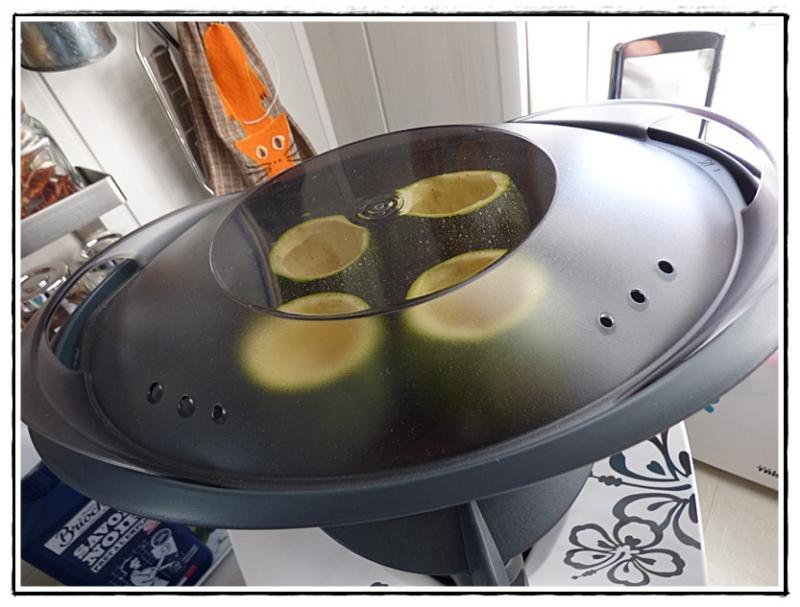 Courgettes rondes farcies la viande version avec ou sans thermomix la guillaumette - Courgette farcie thermomix ...