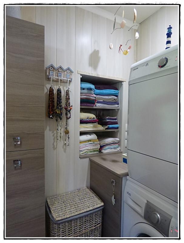 un petit rideau pour la salle de bains 15 juillet 2016 la guillaumette. Black Bedroom Furniture Sets. Home Design Ideas