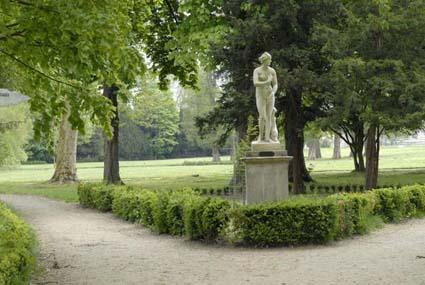 Le ch teau de chantilly le parc et ses jardins florette - Statue de jardin belgique ...