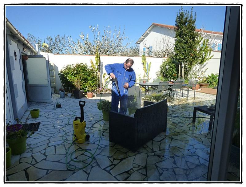 Grand nettoyage de printemps sur la terrasse 18 avril for Nettoyage de jardin