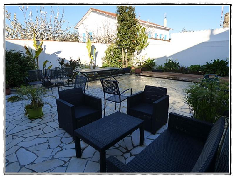 grand nettoyage de printemps sur la terrasse 18 avril 2016 la guillaumette. Black Bedroom Furniture Sets. Home Design Ideas