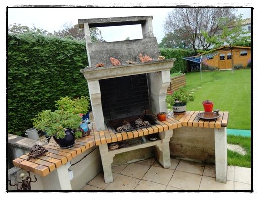 Notre terrasse 26 mai 2012 la guillaumette - Coin barbecue jardin ...