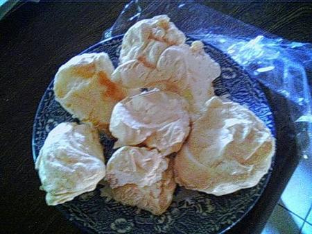 Meringues le blog de titanique - Cuisson meringue four chaleur tournante ...