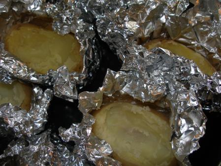 Pommes de terre farcies nathalie la ni oise - Pomme de terre au four papier alu ...