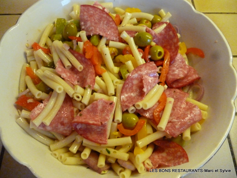 Salade de p tes aux poivrons grill s les bons restaurants - Salade de poivrons grilles ...