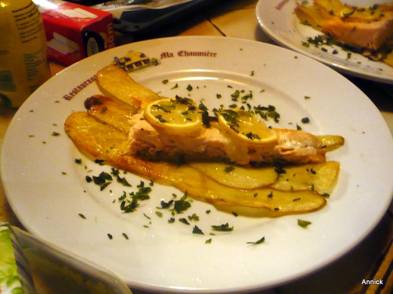 Saumon au four sur son lit de pommes de terre le blog de titanique - Recette saumon au four avec pomme de terre ...