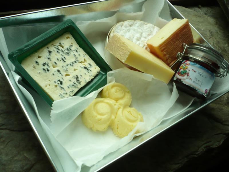 Soir e entre amis plateau de fromages le blog de titanique for Repas pour soiree entre amis