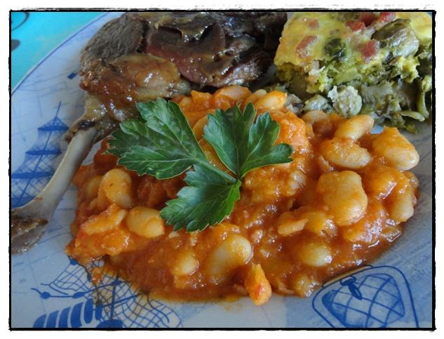 Mogettes la tomate et cuisses de canard confites la guillaumette - Recette de cuisse de canard en sauce ...