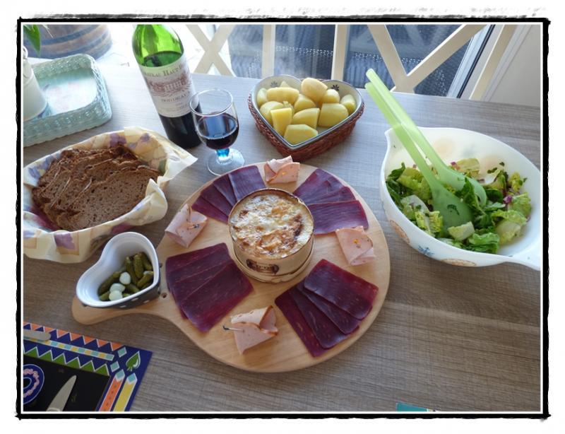 Mont d 39 or chaud au four la guillaumette - Recette fromage mont d or ...