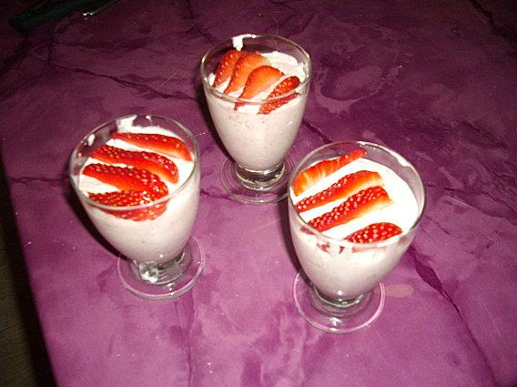 recette mousse la fraise et mascarpone recette mousse la fraise et mascarpone dessert avec. Black Bedroom Furniture Sets. Home Design Ideas