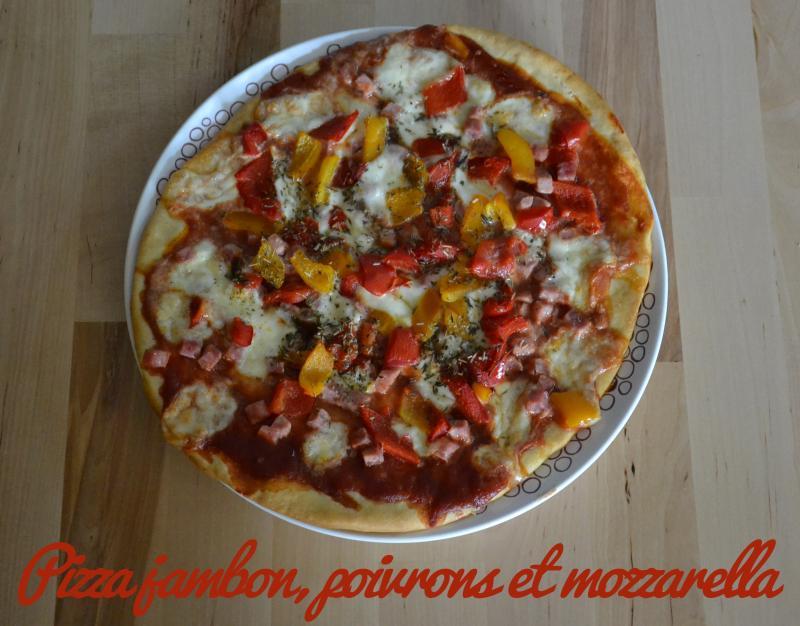 recette pizza jambon poivrons et mozzarella recette. Black Bedroom Furniture Sets. Home Design Ideas