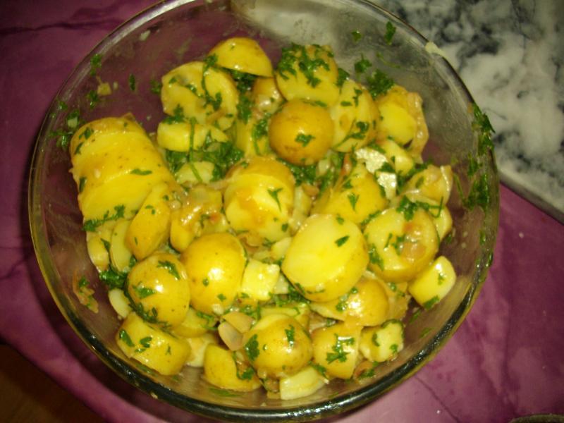 recette salade ti de de pommes de terre nouvelles recette salade ti de de pommes de terre. Black Bedroom Furniture Sets. Home Design Ideas