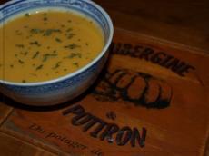 Recette soupe de potiron au lait de coco et curry recette - Soupe potiron lait de coco curry ...