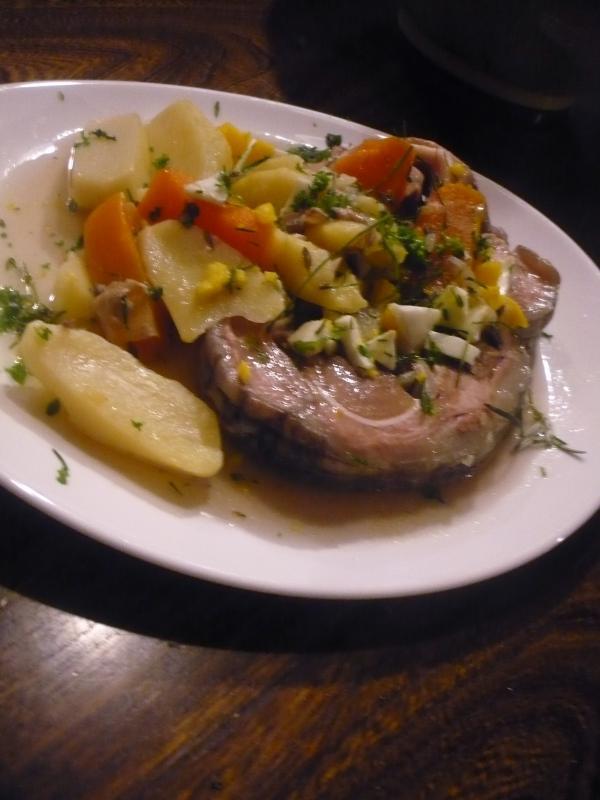 Recette tte de veau roule aux pommes de terre carottes - Cuisiner une tete de veau ...